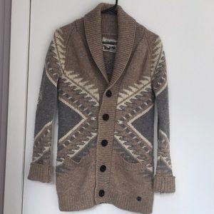 Aritzia TNA 100% lambs wool sweater